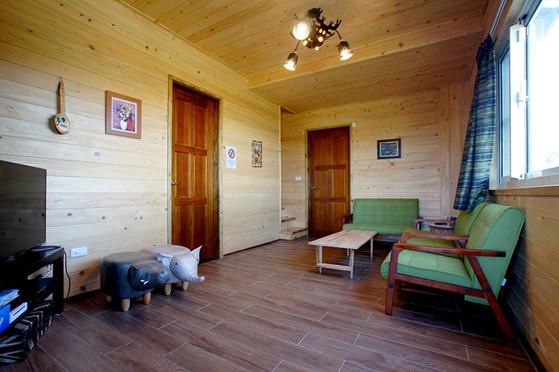 包棟木屋客廳